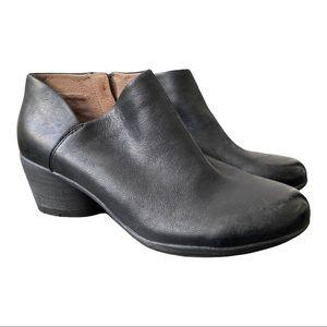 Dansko New Women's Raina Black Leather Bootie  size 38